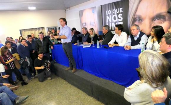 Gira del candidato a la Presidencia Luis Lacalle Pou. Foto: Ricardo Figueredo