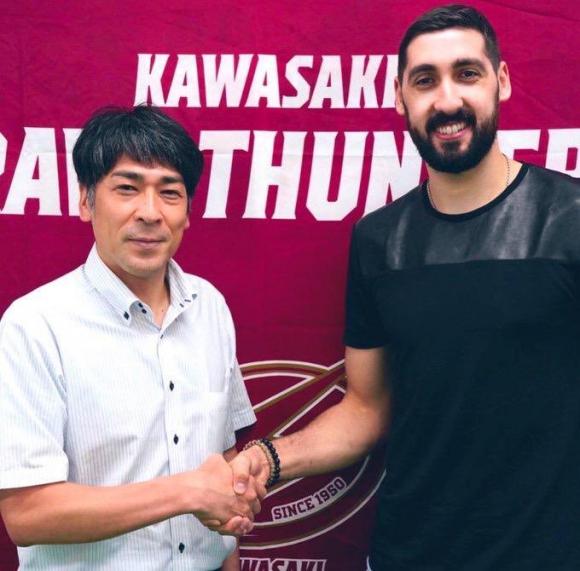 Mathías Calfani usará la camiseta número 21 en Kawasaki. Foto: @MathiCalfani