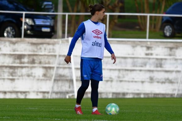 Thiago Vecino regresó a Primera División para este semestre. FOTO: El País.