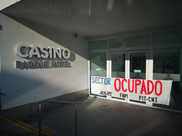 El Casino Parque Hotel fue ocupado por integrantes de Adeom. Foto: Adeom