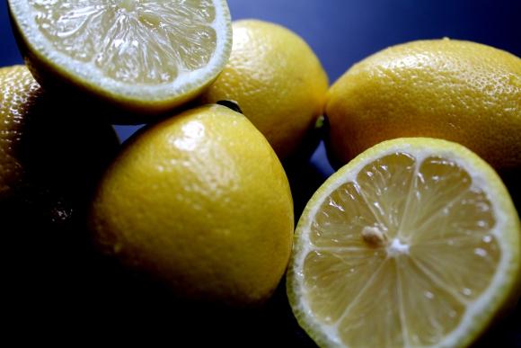 como adelgazar con agua y limon