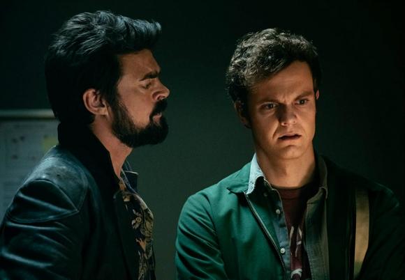 """Karl Urban es Billy Butcher, mientras Jack Quaid es Hughie Campbell en """"The Boys"""". Foto: Difusión"""