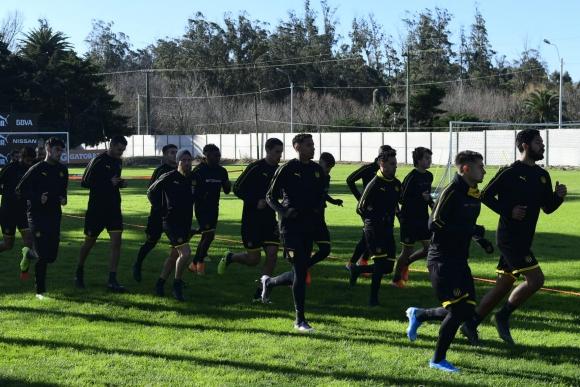 Peñarol entrenando en Los Aromos