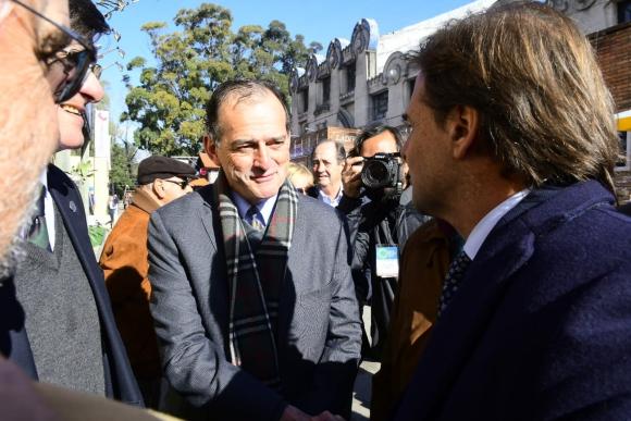Guido Manini Ríos junto con Luis Lacalle Pou. Foto: Marcelo Bonjour