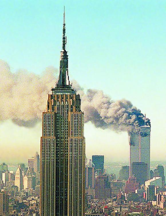 Humo en las Torres Gemelas. Foto: Archivo El País