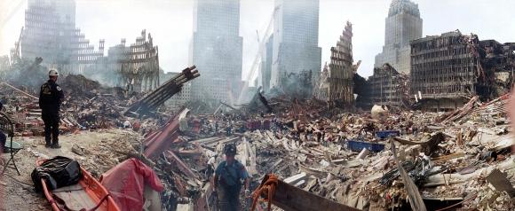 Escombros del atentado del 11 de setiembre. Foto: Archivo El País.