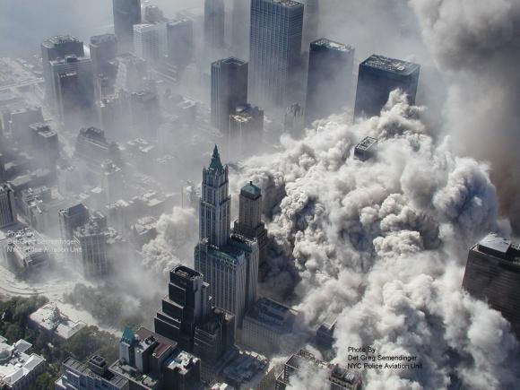 Caída de la Torres Gemelas, Nueva York. Foto: Archivo El País