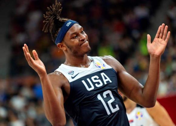 La reacción de Myles Turner en la derrota de Estados Unidos ante Serbia. Foto: AFP