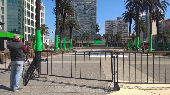 La Plaza Independencia con modificaciones por el rodaje de Conquest. Foto: Darwin Borrelli.