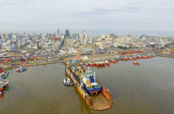 Puerto de Montevideo. Foto: El País.