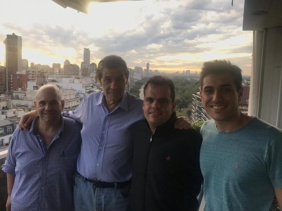 El equipo de Abran cancha con Víctor Hugo