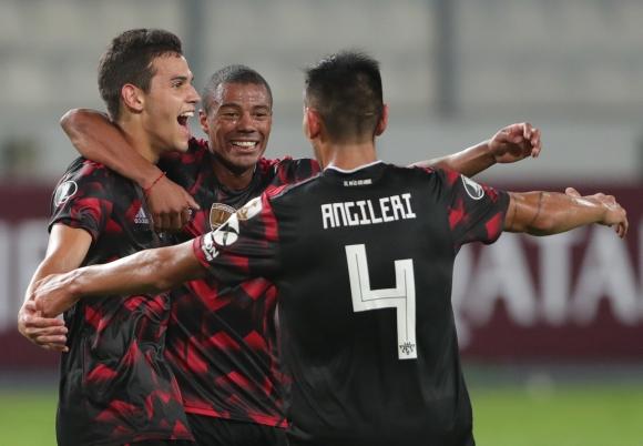 Nicolás De La Cruz celebra un gol con River. Foto: Efe.