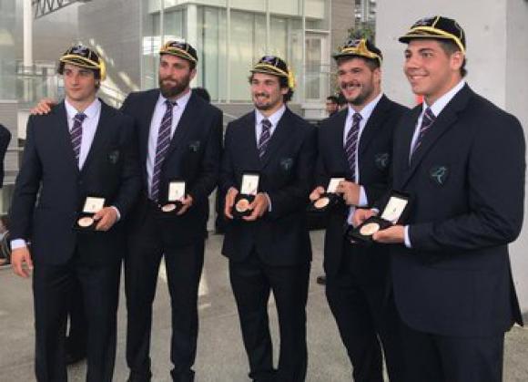 Los Teros en la ceremonia de entrega del Cap y la medalla en la Copa del Mundo. Foto: @TerosXV.