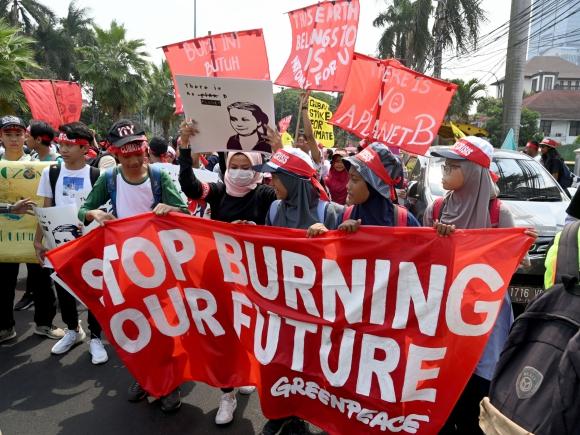 Manifestaciones mundiales para concienciar sobre la importancia de actuar contra el cambio climático.Foto: AFP