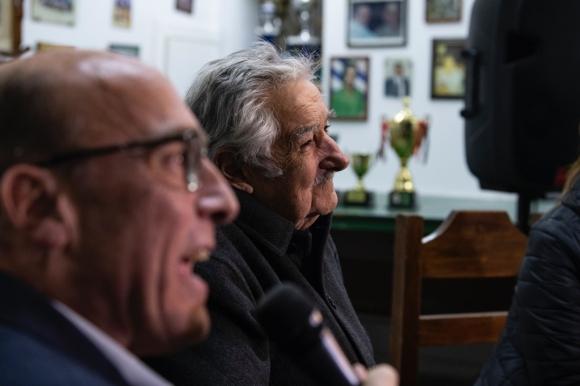 Daniel Martínez y José Mujica en el primer acto en conjunto en el último tramo antes de las elecciones de octubre. Foto: Prensa Daniel Martínez