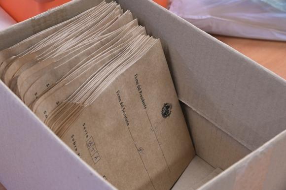 Votar, votación, urnas, elecciones, voto. Foto: archivo El País