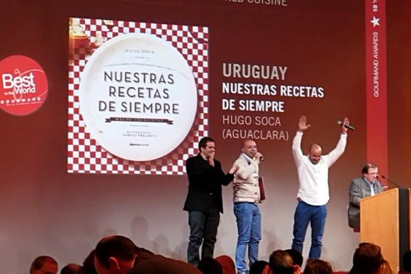 Diego Velazco, Hugo Soca y Carlos Penadés en los Gourmand. Foto: Aguaclara