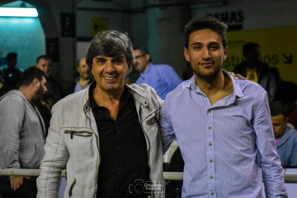 Luis de María, presidente del Básquetbol de Peñarol con Santiago Sánchez, de la Comisión. Foto: Peñarol