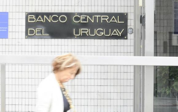 Fachada del Banco Central del Uruguay. Foto: Darwin Borrelli