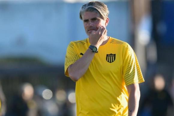 Diego López tras el encuentro entre Liverpool y Peñarol. Foto: Gerardo Pérez.