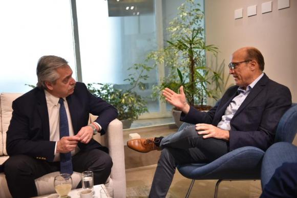 Alberto Fernández y Daniel Martínez este lunes reunidos en Buenos Aires. Foto: Prensa Daniel Martínez