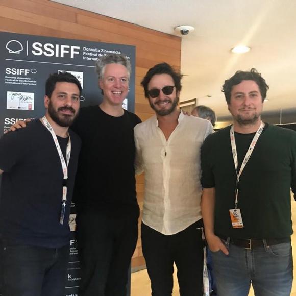 """Santiago López y Federico Veiroj en el Festival de Cine de San Sebastián, por """"Así habló el cambista"""". Foto: Facebook de """"Así habló el cambista"""""""