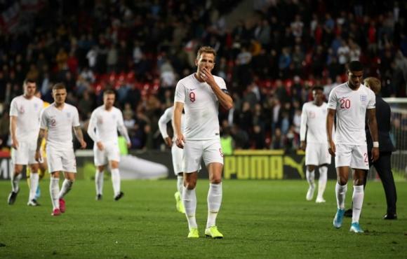 Inglaterra perdió ante Rep. Checa por 2-1 y terminó su invicto de 10 años. Foto: Reuters.