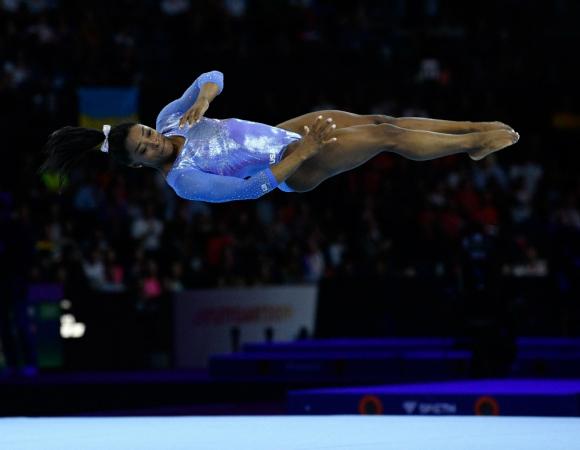 Simone Biles llegó a 25 medallas mundialistas