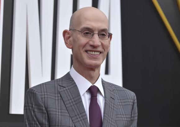 Comisionado. Adam Silver comentó que los juegos previos de la NBA no se están viendo en China a causa del conflicto.