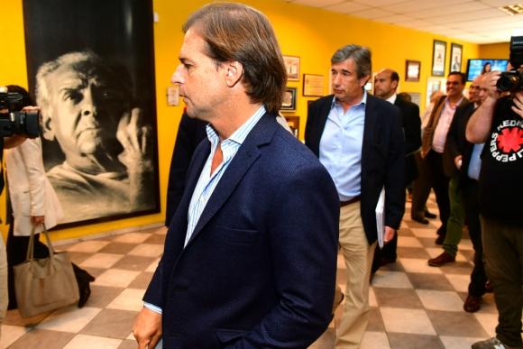 Reunión de Luis Lacalle Pou  con dirigentes sindicales para hablar sobre propuestas relacionadas al trabajo y economía. Foto: Francisco Flores