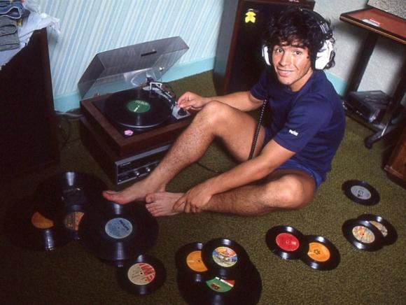 Diego Maradona en los ochenta. Foto: Difusión.