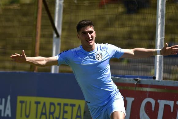 La alegría de Gustavo del Prete tras el gol anotado frente a Bella Vista. Foto: Fernando Ponzetto.