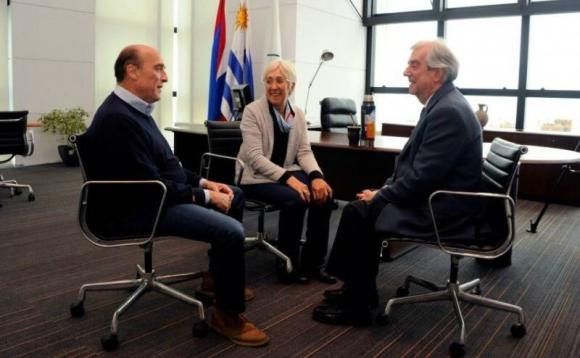 Martínez y Villar reunidos con el presidente Vázquez. Foto: @Frente_Amplio