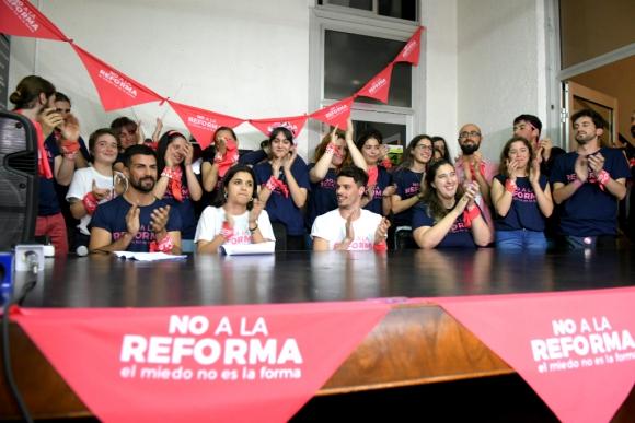 Conferencia de prensa de los integrantes del movimiento contra la reforma constitucional. Foto: Marcelo Bonjour