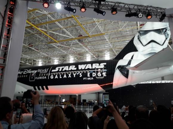 En el Aeropuerto de Guarulhos en San Pablo se presentó el Stormtrooper Plane de Latam y Disney. Foto: Nicolás Lauber