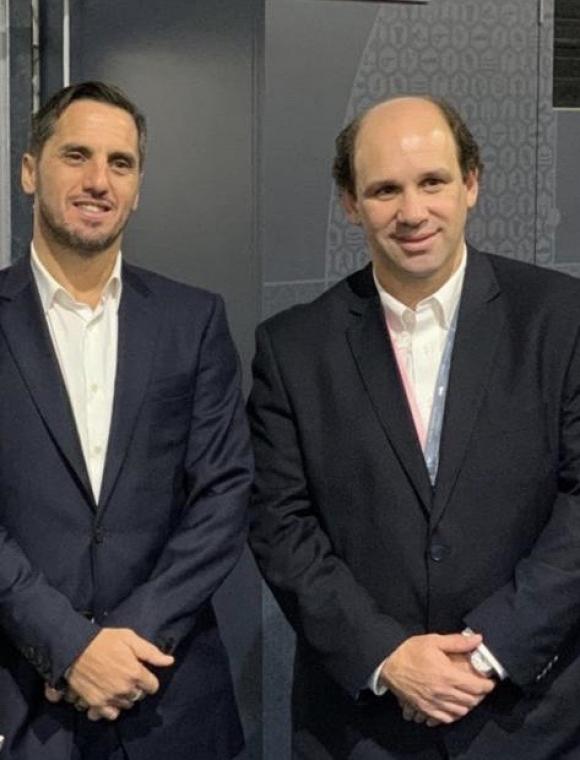 Agustín Pichot y Sebastián Piñeyrúa tras la histórica decisión de World Rugby. Foto: URU.
