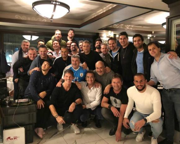 Una de las reuniones de los uruguayos en Buenos Aires. Foto: Pichu Straneo.