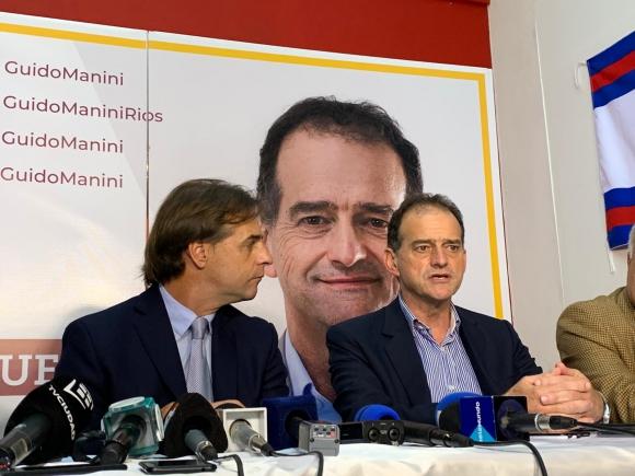 Luis Lacalle Pou, junto a Guido Manini Ríos, este jueves. Foto: Pablo S. Fernández