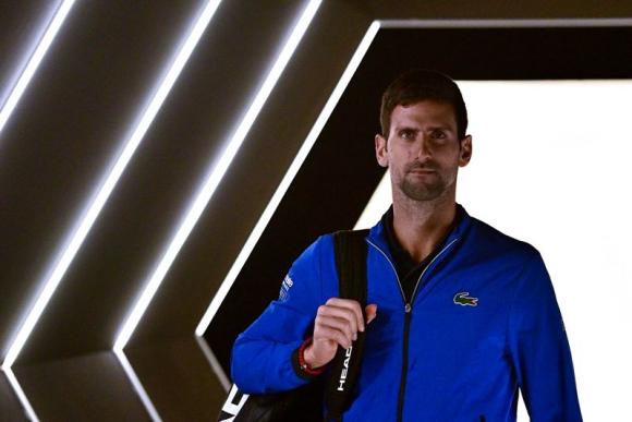 Novak Djokovic previo al duelo ante Stefanos Tsitsipas. Foto: AFP