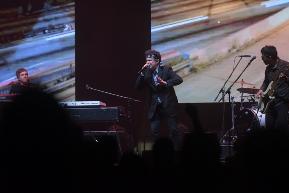 Andrés Calamaro en el Antel Arena. Foto: Marcelo Bonjour