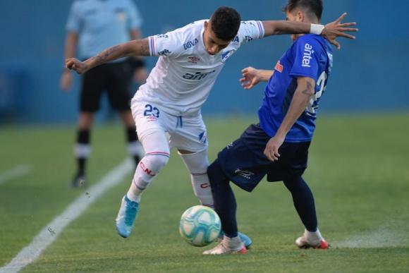 Santiago Rodíguez en Nacional vs. Cerro LArgo