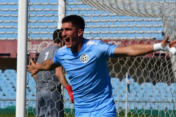 El festejo de Gustavo del Prete tras el gol que anotó ante Deportivo Maldonado. Foto: Francisco Flores.