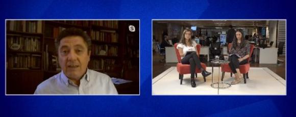 Claudio Fantini en transmisión de elecciones.