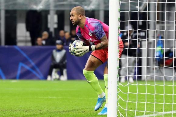 Para el recuerdo: Kyle Walker tuvo que atajar para el City por Champions League. Foto: EFE