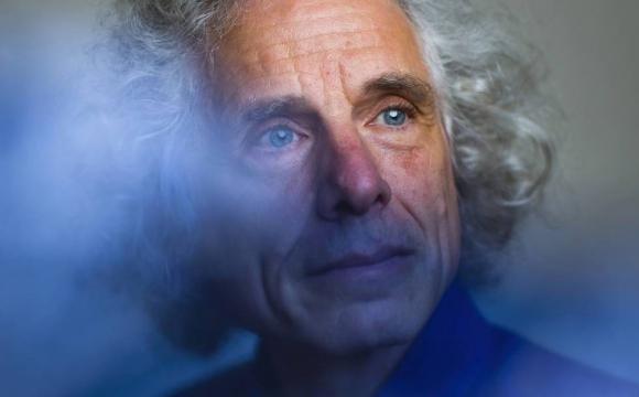 """Pinker: """"Ya no tenemos escribas, ahora hay expertos en ciberseguridad""""."""