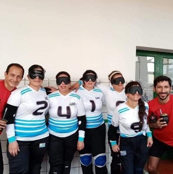 Equipo femenino de Goalball Uruguayo. Foto: Cortesía