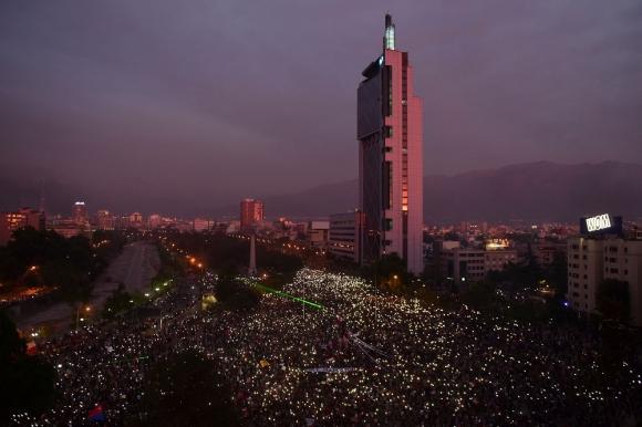 Manifestaciones en Santiago de Chile, este viernes. Foto: AFP