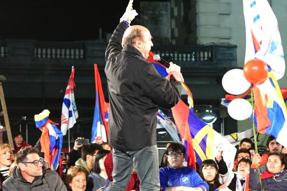 Daniel Martínez en acto de campaña en San José. Foto: Francisco Flores
