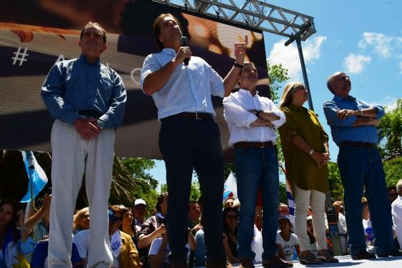 Guido Manini Ríos, Luis Lacalle Pou, Ernesto Talvi, Beatriz Argimón y Pablo Mieres. Foto: Francisco Flores.
