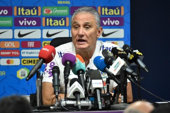 Tite, técnico de Brasil, en conferencia de prensa.